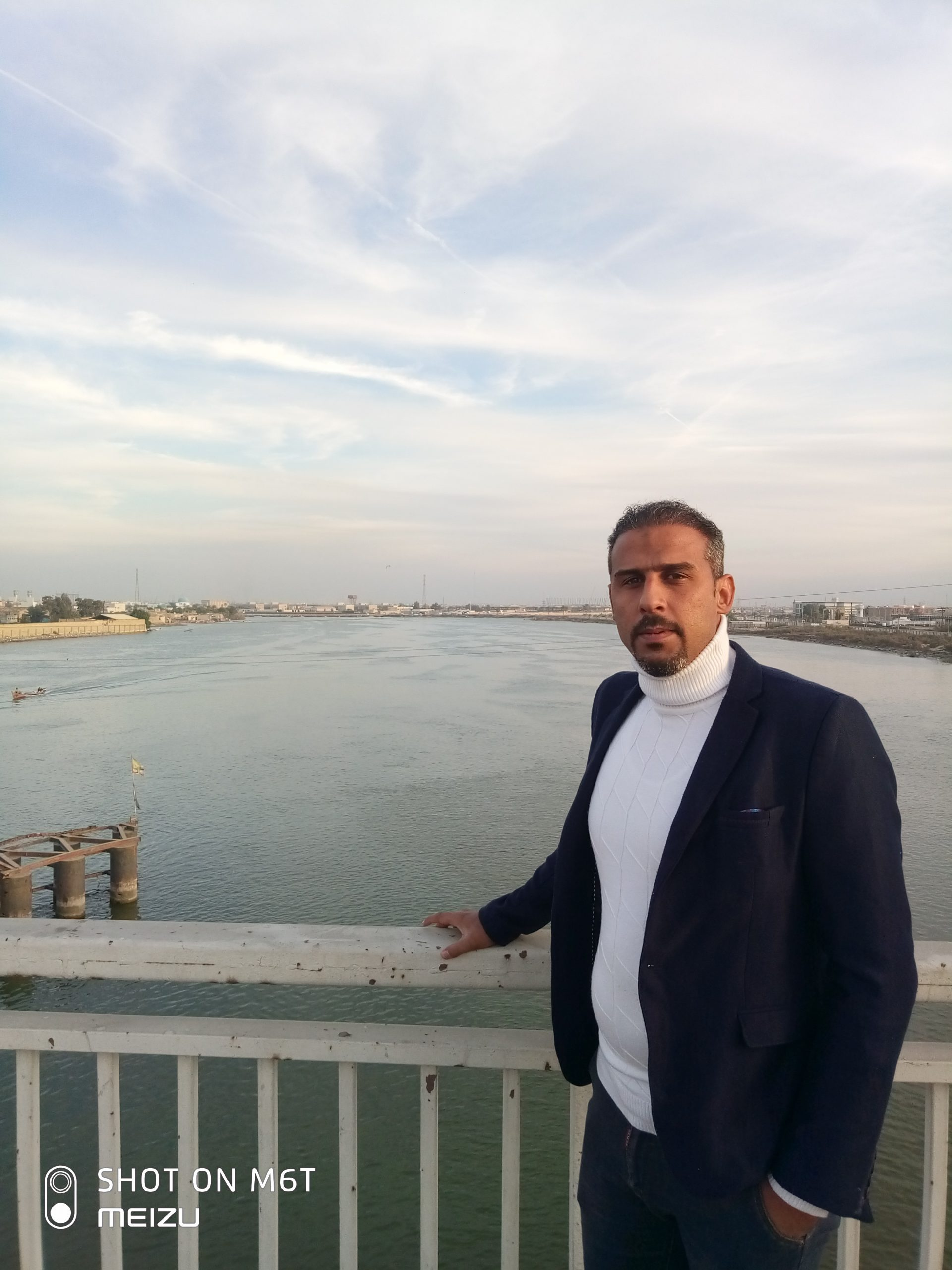 محمد حسين العبوسي رئيس منظمة الشباب العربي ومدافع عن حقوق الانسان