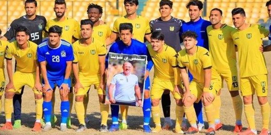 وفاءً لمدربهم السابق.. أربعة لاعبين من الجوية يحملون صورة كريم سلمان قبل لقاء الكرخ